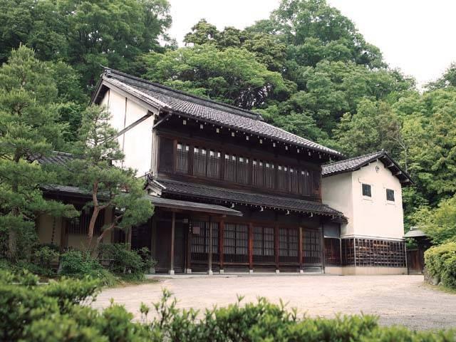 金沢市立中村記念美術館