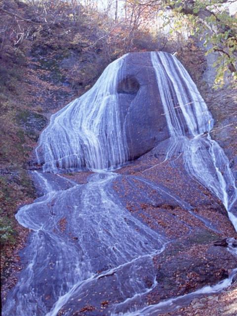 みろくの滝