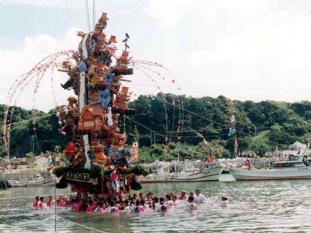 小友祇園祭(海を渡る山笠)