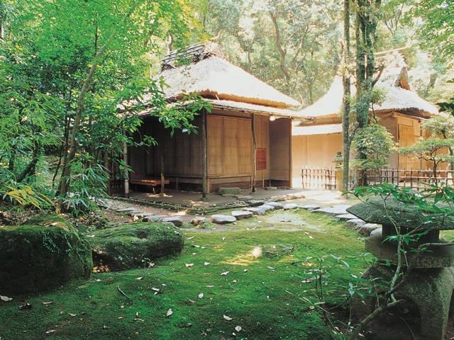 熊本藩主細川家墓所・泰勝寺跡(立田自然公園)
