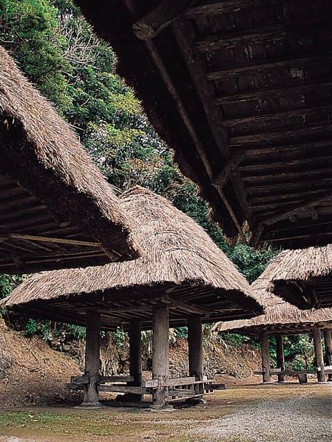 大和村の群倉