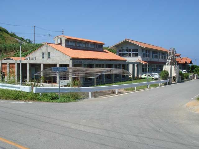 久米島紬の里ユイマール館