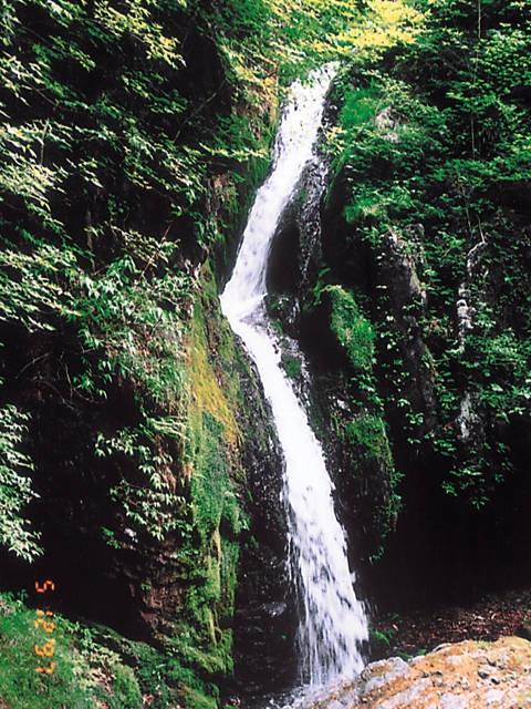 蓬莱山と三滝